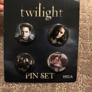 Twilight pin set